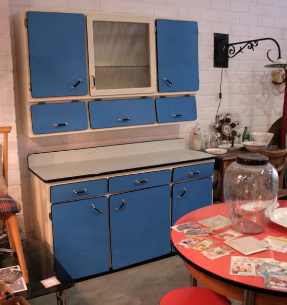 Casa de este alojamiento creacion de un mueble de cocina vintage - Muebles de cocina retro ...